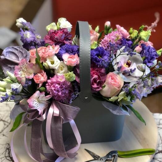 Цветы в сумке