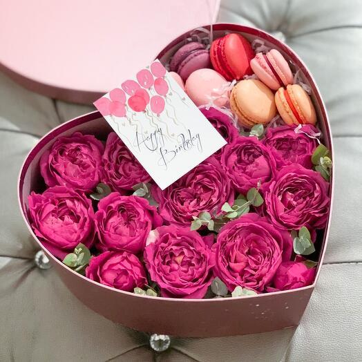 Цветы в коробке Черри