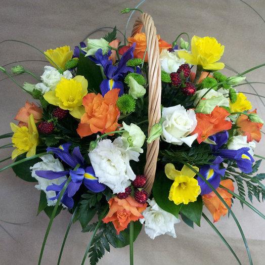 Корзина Калейдоскоп: букеты цветов на заказ Flowwow