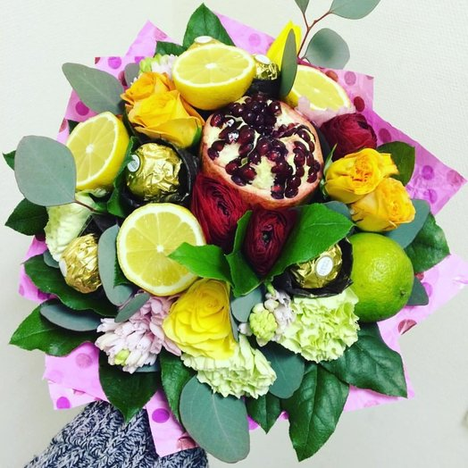 Фруктово цветочный букет 3