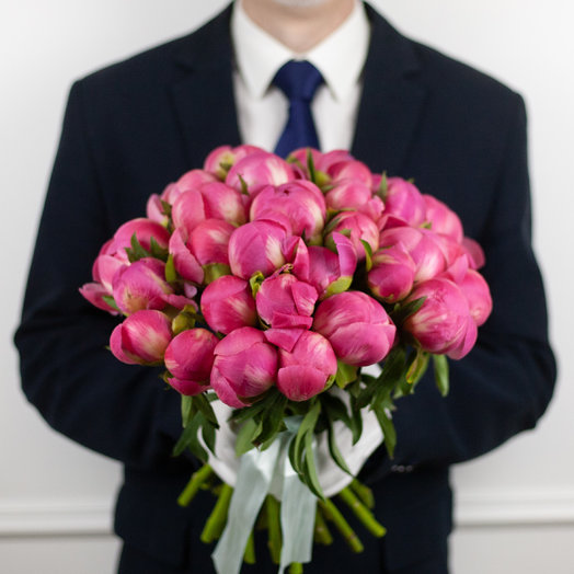 Букет из 29 французских пионов Coral: букеты цветов на заказ Flowwow
