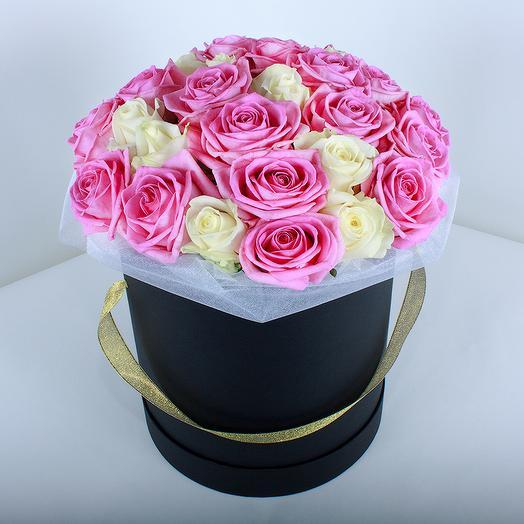Розы МИКС в шляпной коробке: букеты цветов на заказ Flowwow