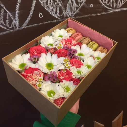 Коробочка Белоснежка: букеты цветов на заказ Flowwow