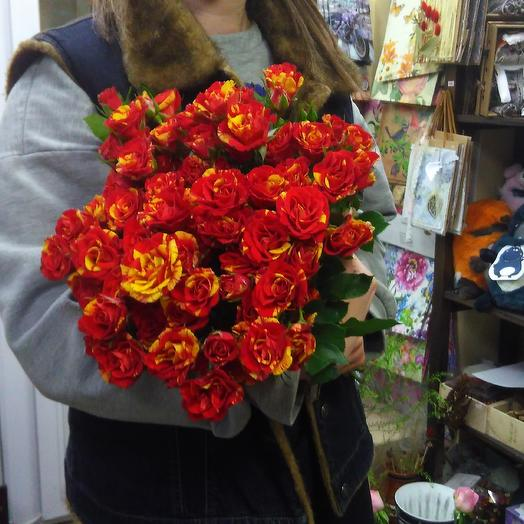 Страстный поцелуй: букеты цветов на заказ Flowwow