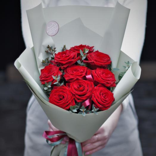 Букет-комплимент: красные розы: букеты цветов на заказ Flowwow