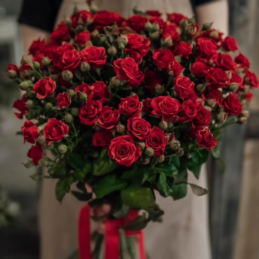 Букет из 15 красных кустовых роз 60 см: букеты цветов на заказ Flowwow