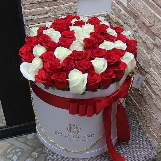 До 75 премиум роз в шляпной коробке: букеты цветов на заказ Flowwow
