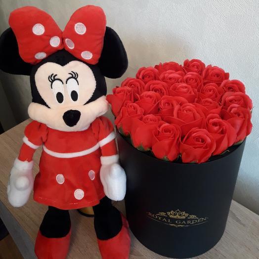 Мыльные розы в шляпной коробке: букеты цветов на заказ Flowwow