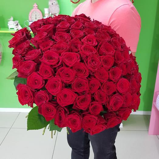 Букет из 101 красной премиум розы: букеты цветов на заказ Flowwow