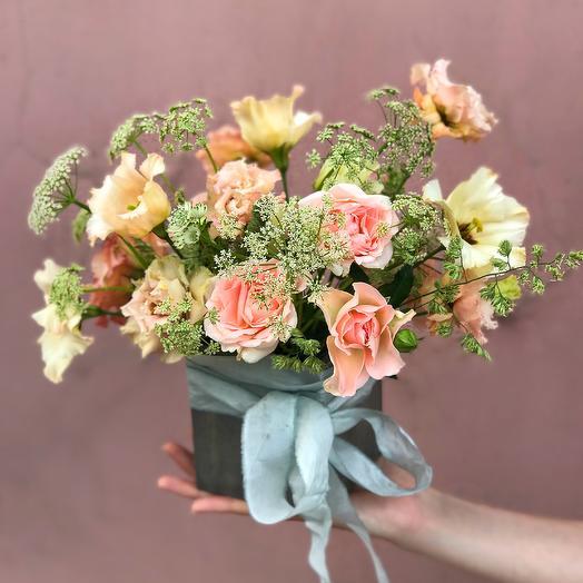 Композиция раскидистая в деревянном боксе: букеты цветов на заказ Flowwow