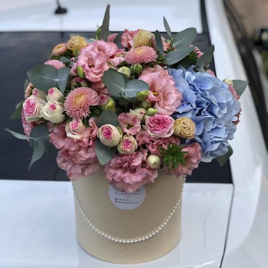 Цветочный букет с розой и эустомой: букеты цветов на заказ Flowwow