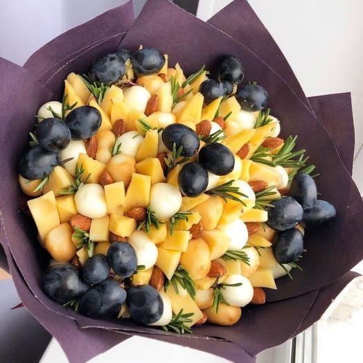 Сырное ассорти: букеты цветов на заказ Flowwow