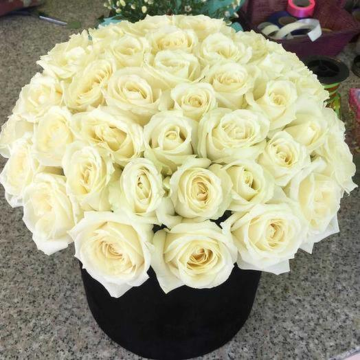 33 розы в коробке: букеты цветов на заказ Flowwow