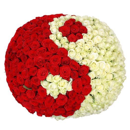 """Корзина с голландскими розами """"Инь-Янь"""""""
