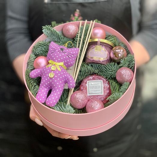 Роскошная коробочка с американской свечой Voluspa,  мёдом суфле и игрушкой ручной работы «Котик»