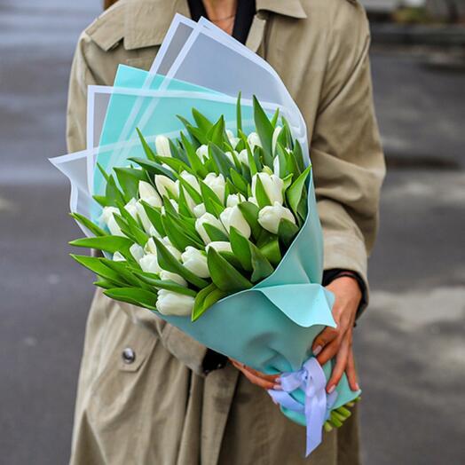 Нежный букет из 49 голландских тюльпанов