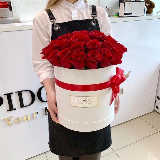 Шляпная коробка на 35 роз