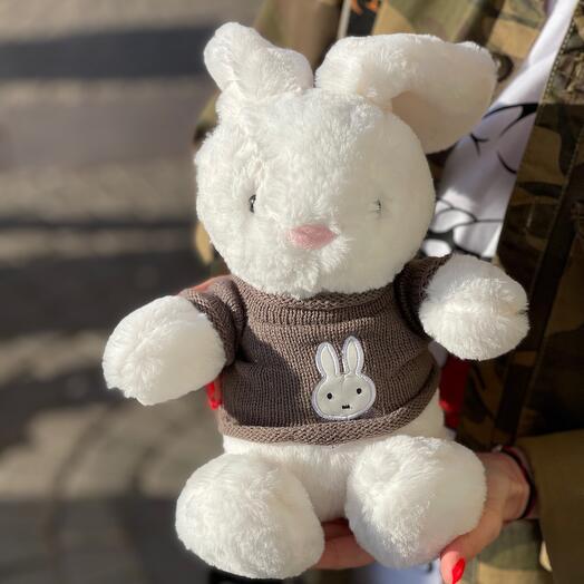 Игрушка «Зайчик в свитере»