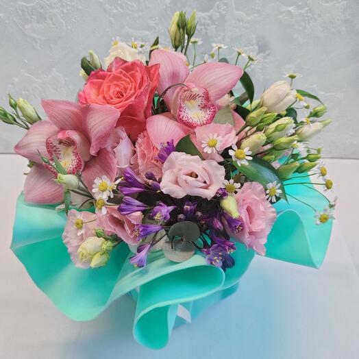 Цветы в коробке Бирюза Собран