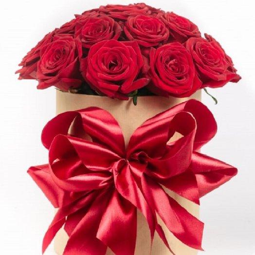 21 роз в шляпной коробке