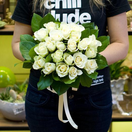 Букет из 21 белой кенийская роза: букеты цветов на заказ Flowwow