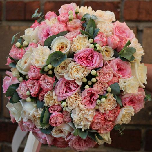 Роскошный букет с французскими розами: букеты цветов на заказ Flowwow