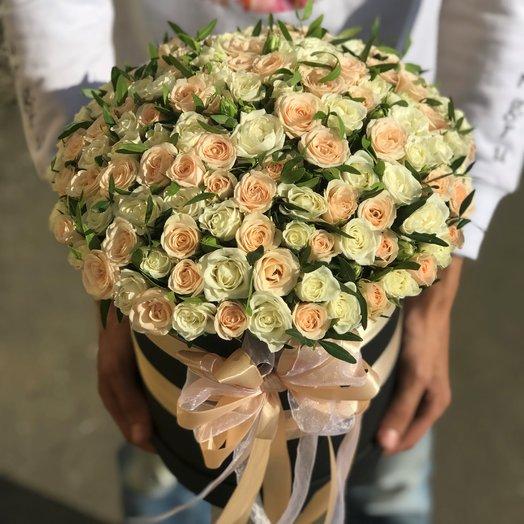 Коробки с цветами. Кустовые розы. N214: букеты цветов на заказ Flowwow