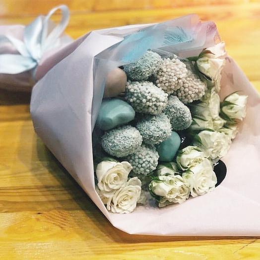 Клубничный букет «голубое озеро»: букеты цветов на заказ Flowwow