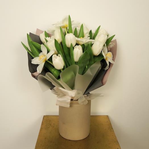 Моно-букет из тюльпанов (21 шт): букеты цветов на заказ Flowwow