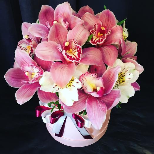 Орхидеи: букеты цветов на заказ Flowwow
