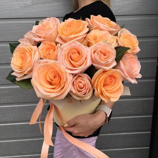 """Розы в шляпной коробке""""Летний персик"""""""