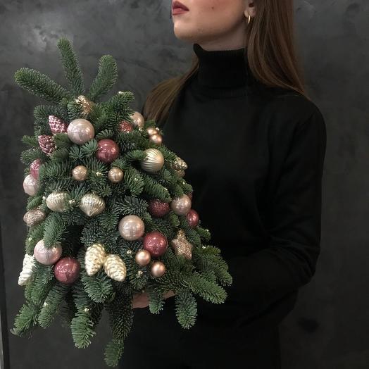 Елка новогодняя: букеты цветов на заказ Flowwow
