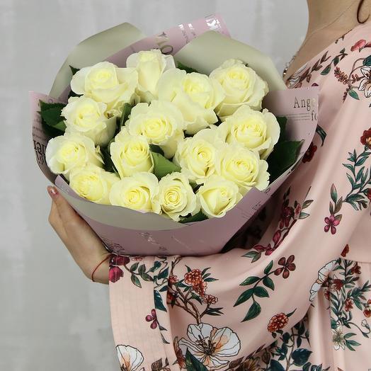 Букет из 15 белых роз premium 50 см (Эквадор) в упаковке