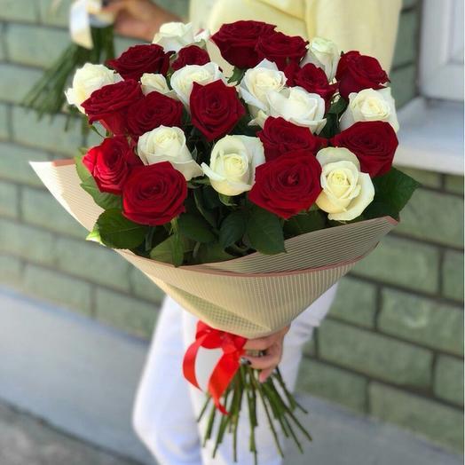 Букет красно-белый: букеты цветов на заказ Flowwow
