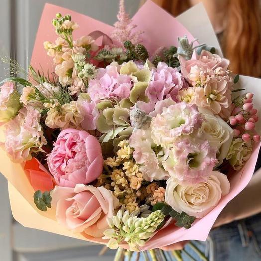 """Букет с гортензией и розами """"Светлый праздник"""""""