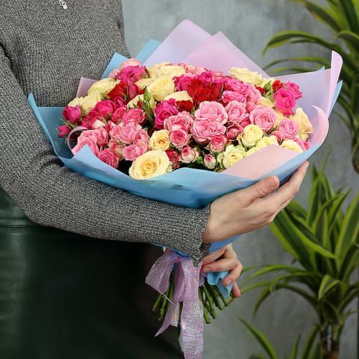 Букет из  21кустовых роз