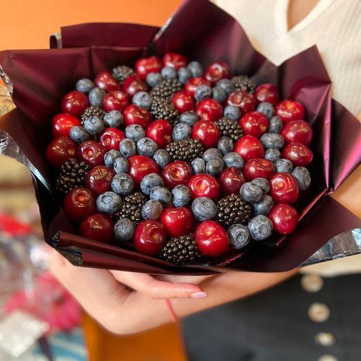 Букет из ягод
