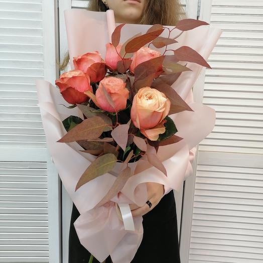 Пионовидная роза только для неё