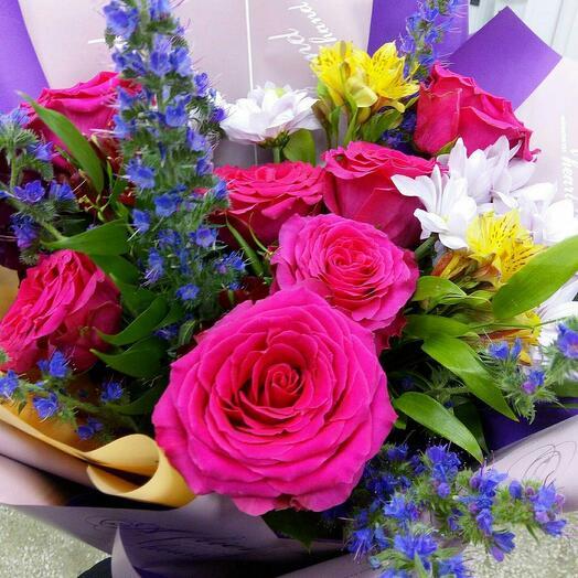 Букет из роз и альстермерии