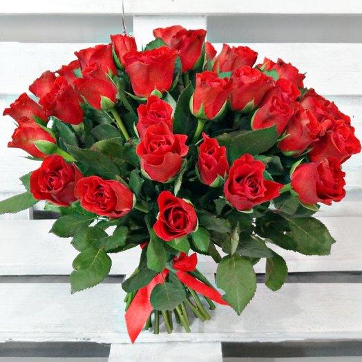 Букет из 35 красных кенийская роза: букеты цветов на заказ Flowwow