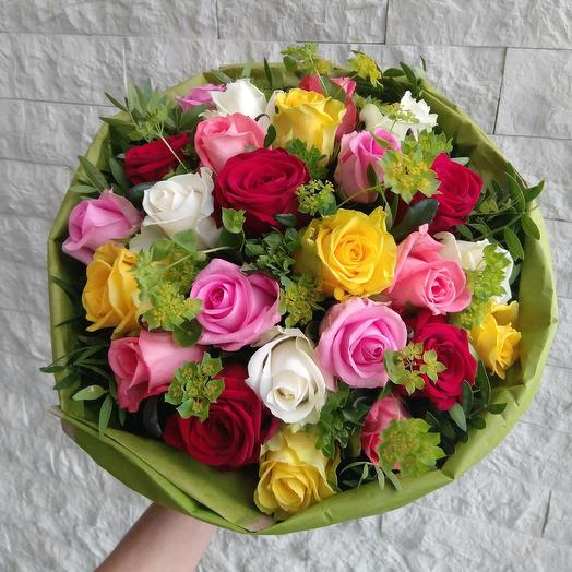 МИКС из 25 роз с писташем: букеты цветов на заказ Flowwow