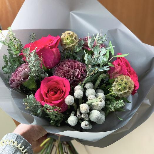 Алый комплимент: букеты цветов на заказ Flowwow