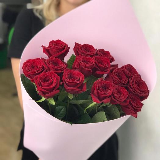 Розы шикарные с оформлением