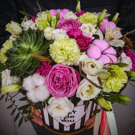 """Композиция в шляпной коробке """"Только для тебя!"""": букеты цветов на заказ Flowwow"""