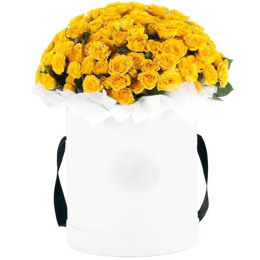 """Шляпная коробка с кустовыми розами """"Солнечный свет"""": букеты цветов на заказ Flowwow"""