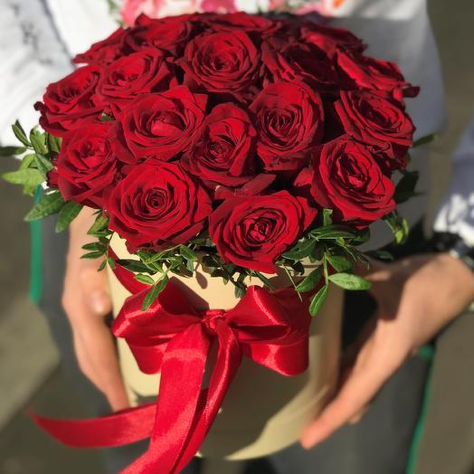 Коробка роз: букеты цветов на заказ Flowwow