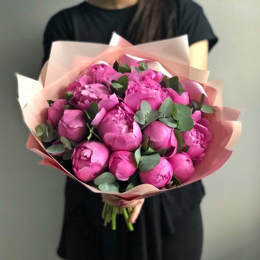 Букет малиновых Пионов: букеты цветов на заказ Flowwow