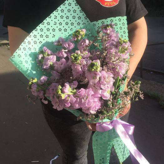 Ароматная сиреневая маттиола: букеты цветов на заказ Flowwow