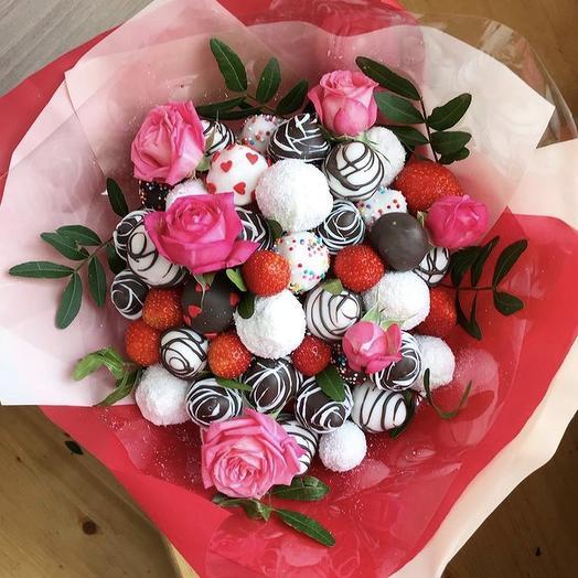 Клубничный букет «Драйв»: букеты цветов на заказ Flowwow
