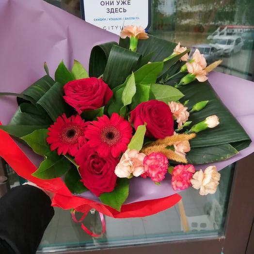 Яркая жизнь: букеты цветов на заказ Flowwow